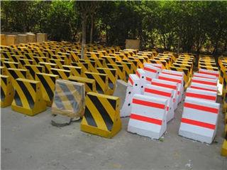 广州ag体育平台生产的水泥防撞墩